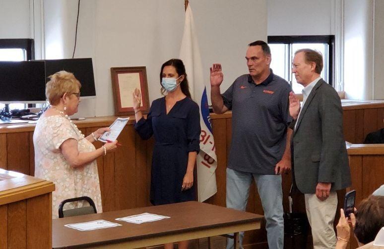 Rock Island County board members sworn in