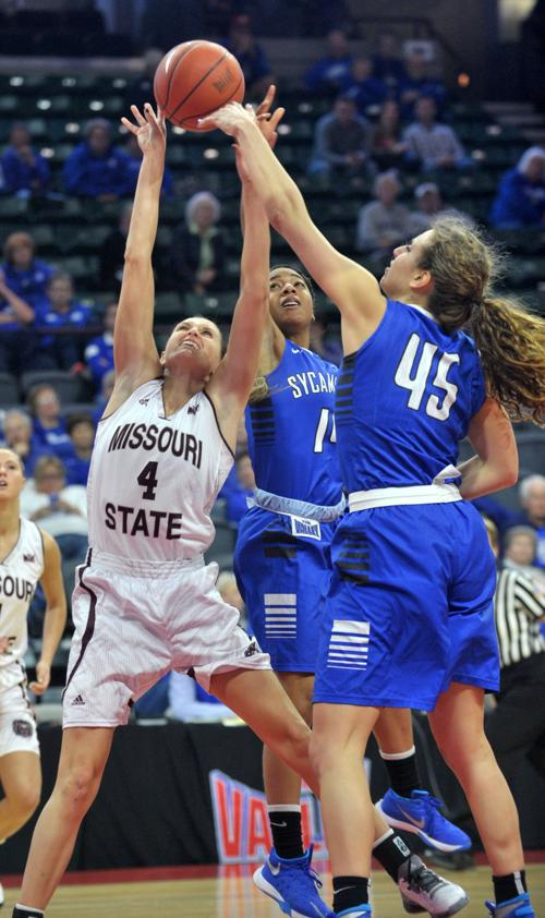 Missouri State pulls away in second half to reach MVC semis