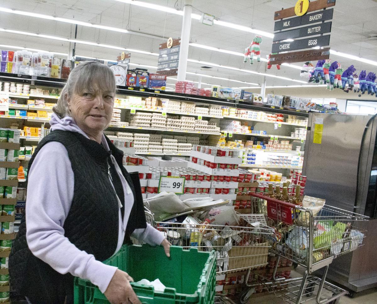 Julie Putnam helps delivery food