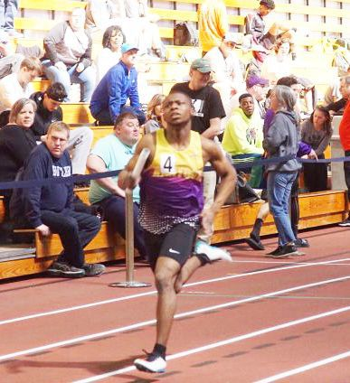 Eagles 800-meter relay finishes third at indoor meet