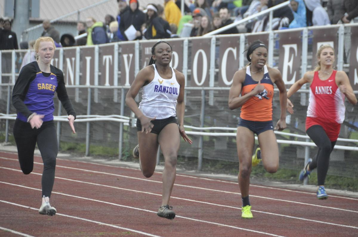 Tanya Young gets third place in 100 meters at IHSA sectional