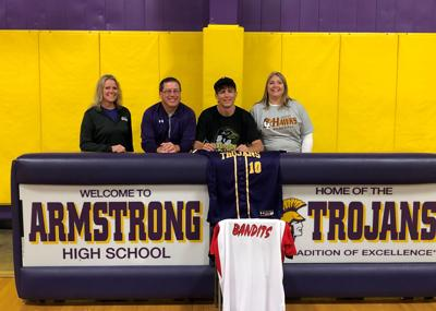 Dalton Loschen to play for Quincy University in the fall