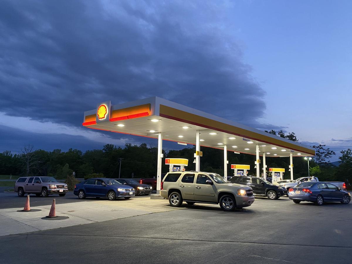 gas line 211 Quicke Mart