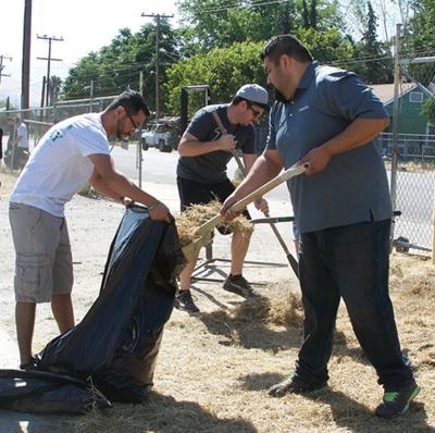 SolarCity employees volunteer the day at PACC
