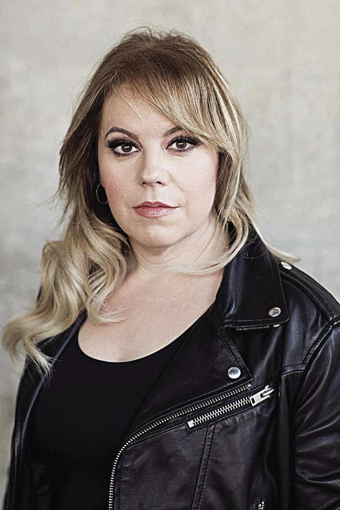 Kirsten Vangsness melanie