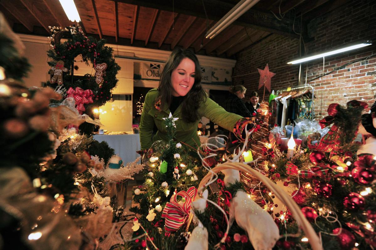 18-11 MD Somerset MacTavish Market.Allison Castellana Christmas Shopping.Patty Hancock.jpg