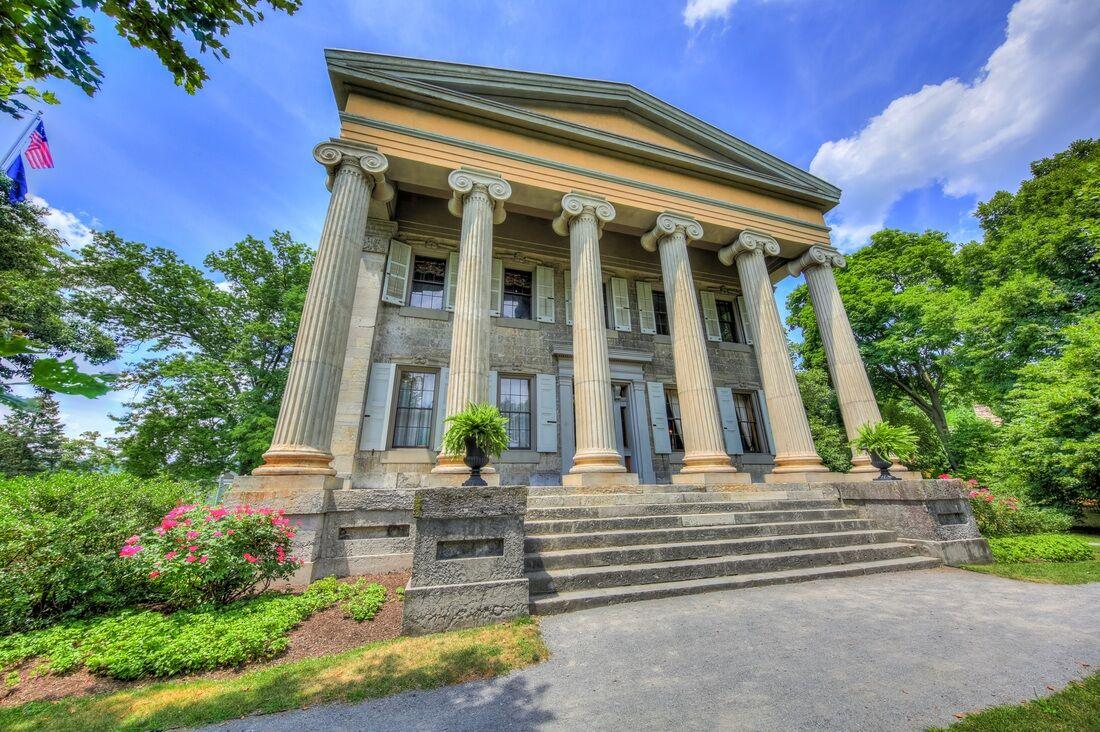 mansion-front_orig.jpg