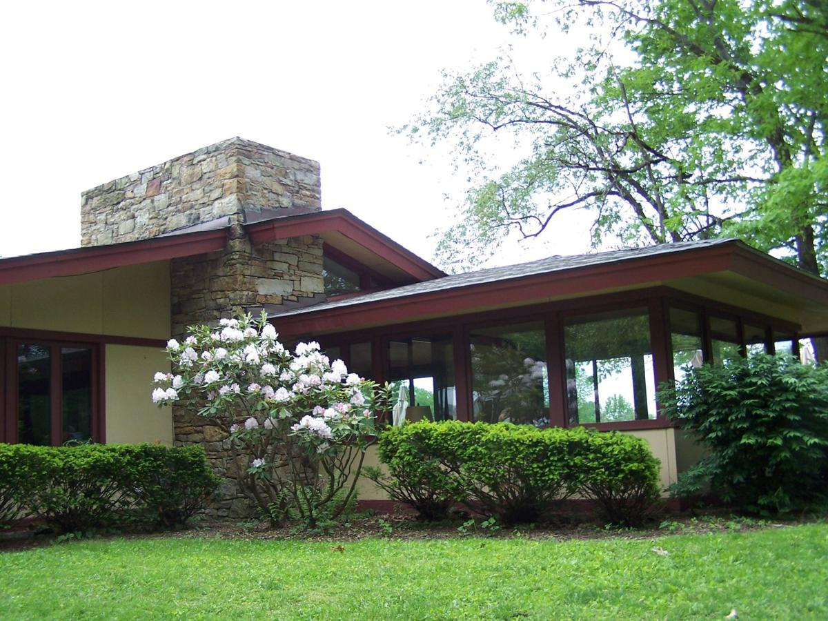 Laurel Highlands Visitors Bureau, Blum House at Polymath Park.jpg