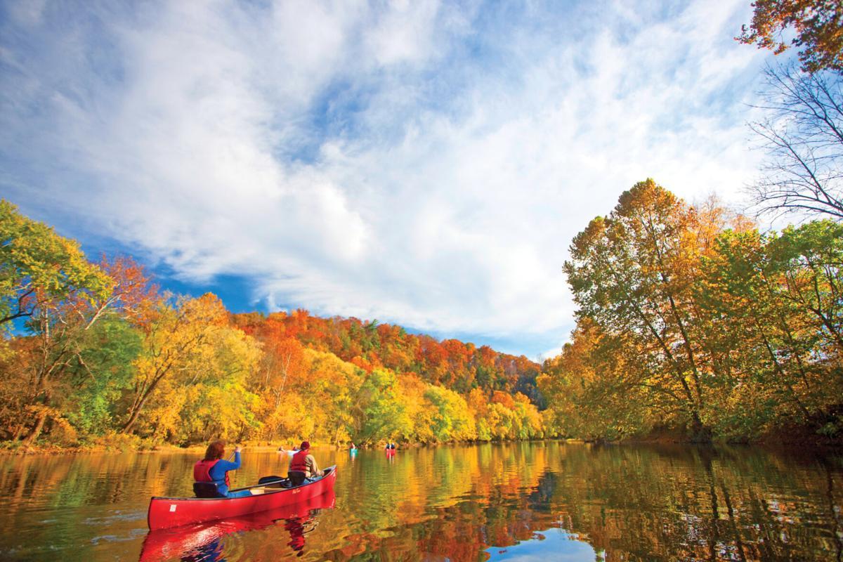 Fall-Canoeing-L2J8262.jpg