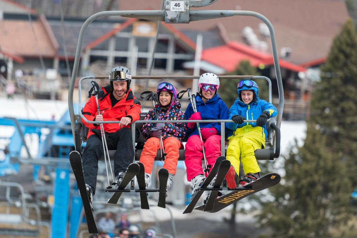 Skiing  Camelback Mountain