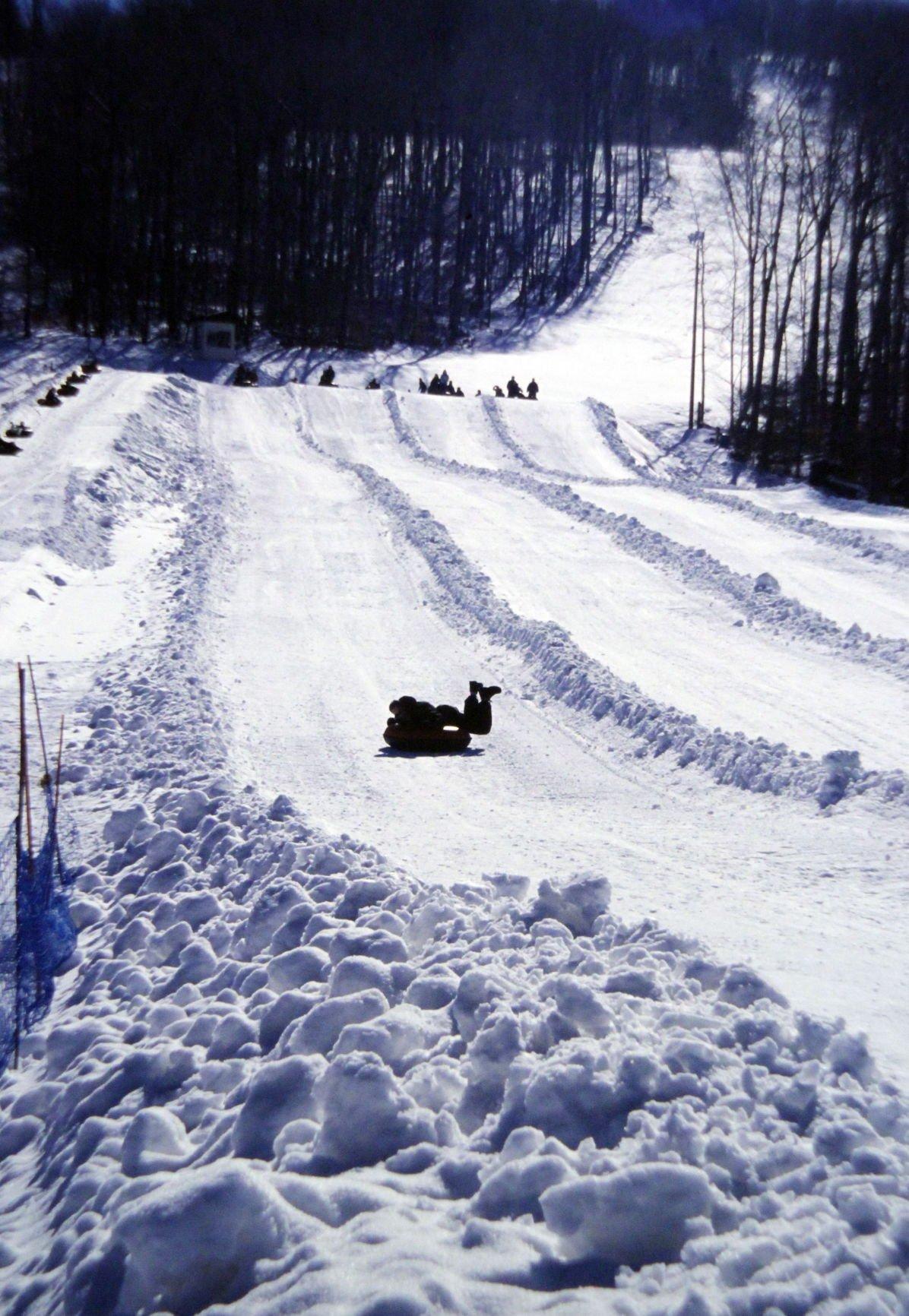 Snow tubing (1).jpg