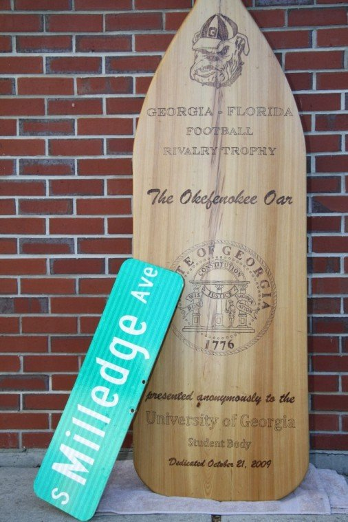 University, Florida SGAs join to forge new tradition with Okeefonokee Oar trophy