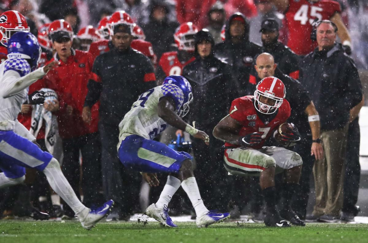 D'Andre Swift saves the day and powers Georgia football to win over Kentucky