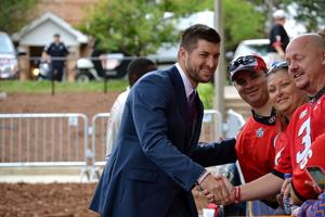 Tim Tebow visits UGA as part of SEC Nation show: 'First they'll ask for selfies and then they'll boo'