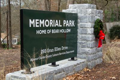 Bear Hollow Zoo Memorial Park Sign