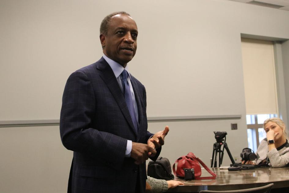Michael Thurmond discusses Athens black history at the Special Collections Library
