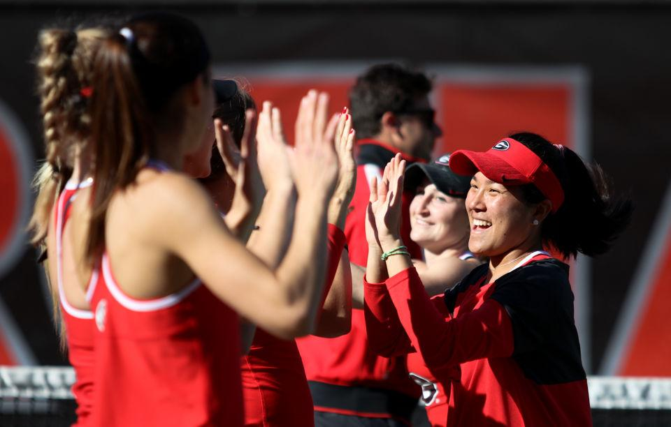 No. 2 Georgia women's tennis shuts out Ole Miss, 4-0
