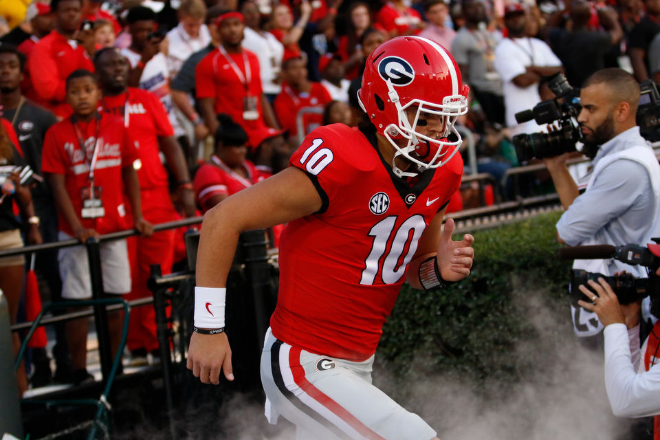 QB Eason moving closer to return from injury for No. 7 Dogs