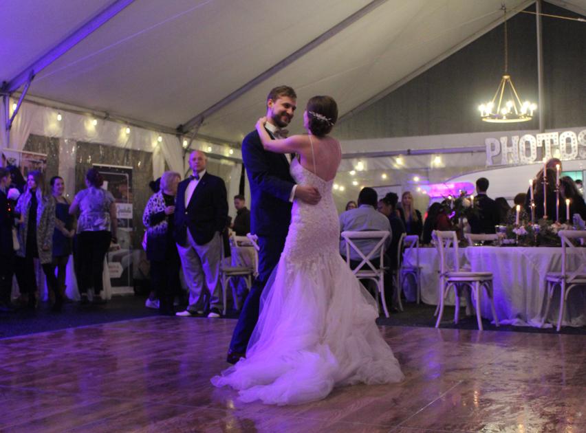 PHOTOS: The Big Fake Wedding hosts Athens bridal show