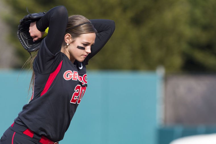 Georgia Softball Pitchers Geri Ann Glasco And Chelsea Wilkinson Improve Mental Approach In 2014 Sports Redandblack Com