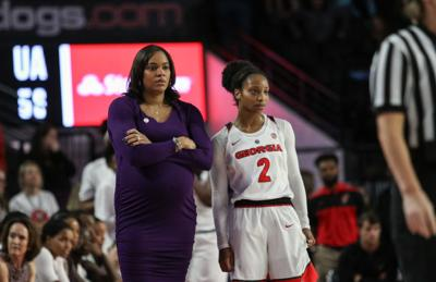 Georgia Women S Basketball Loses Late Lead Falls To Auburn