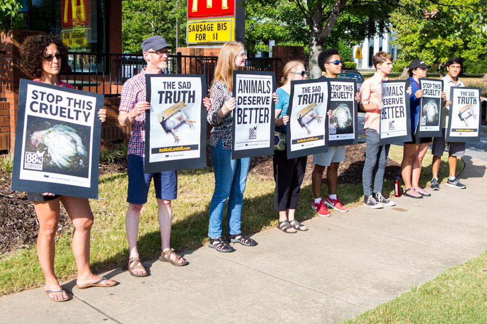 180908_JEB_McDonaldsProtest_0002.jpg