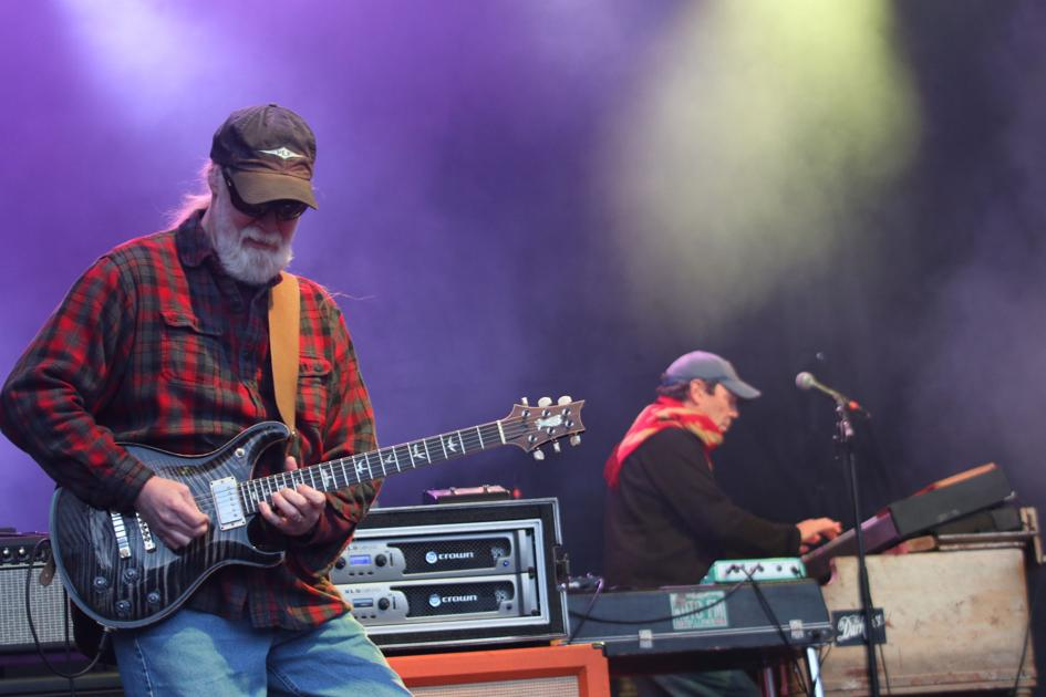 Widespread Panic headlines SweetWater 420 Festival, fans show out despite chilly weather