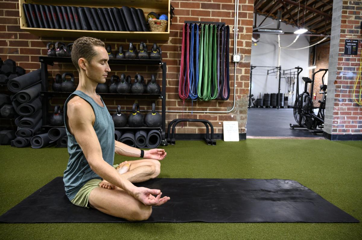 dustin yoga 0001.jpg
