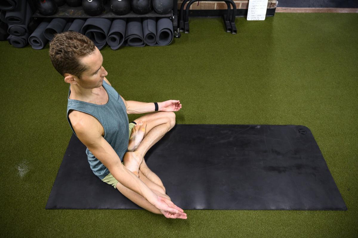 dustin yoga 0002.jpg