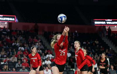 191110_CMB_UGAvMissouriVolleyball_0402.jpg