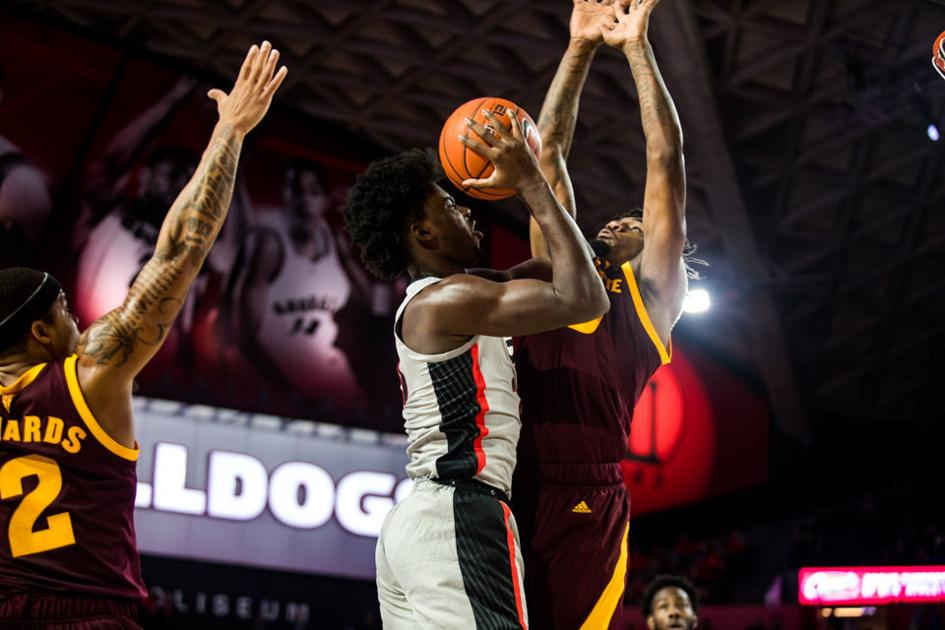 UGA men's basketball falls to Arizona State, 76-74