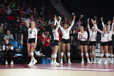 191004_ks_VolleyballvTenn_0007.jpg
