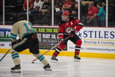 Ice Dawgs cruise to victory over Clemson