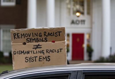 201002_ks_MilledgeProtest_11.jpg