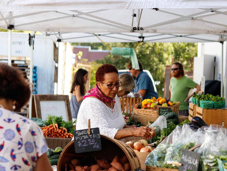 171011_kar_farmers market_0001.jpg