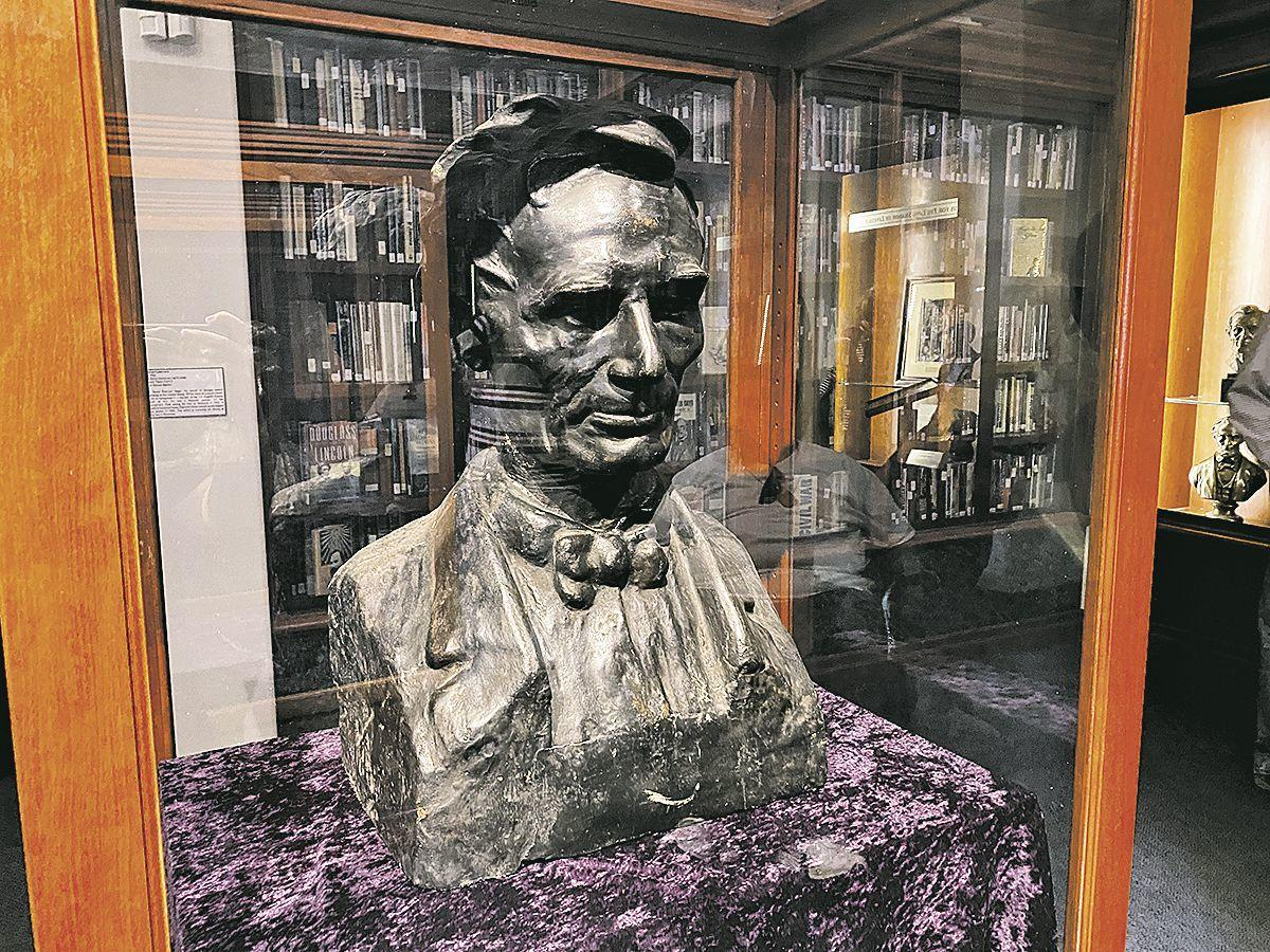 LINCOLN bust 2-14 4c.tif