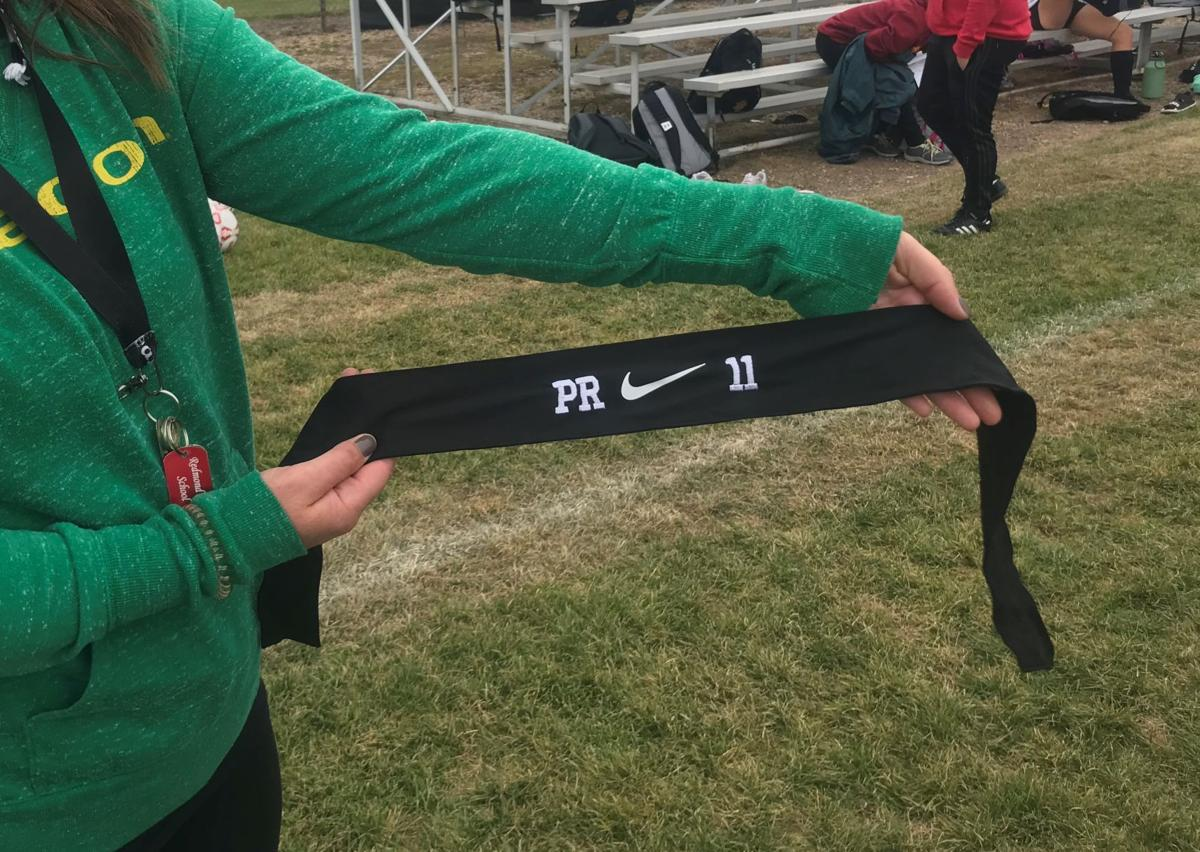 Redmond girls soccer playing for teammate with cancer