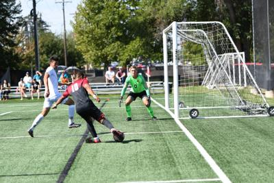 Former Ridgeview goalkeeper named college player of the week