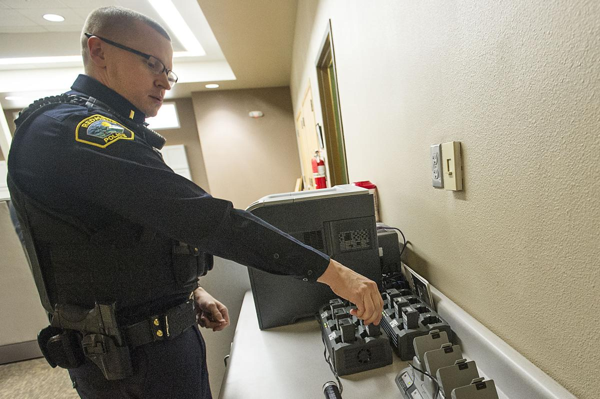 Police body cams are popular, but issues remain