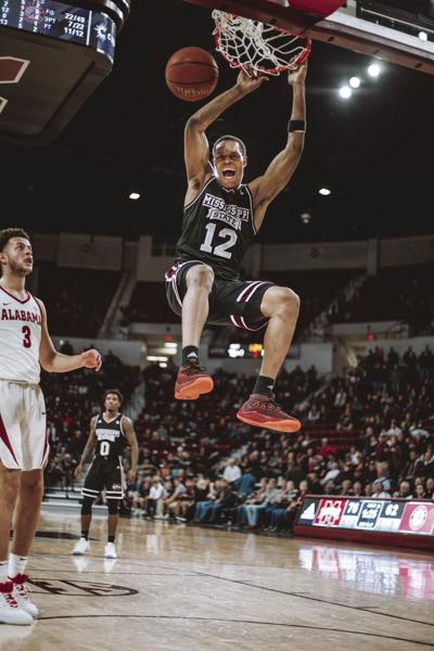 Men's basketball falls to Ole Miss and Alabama