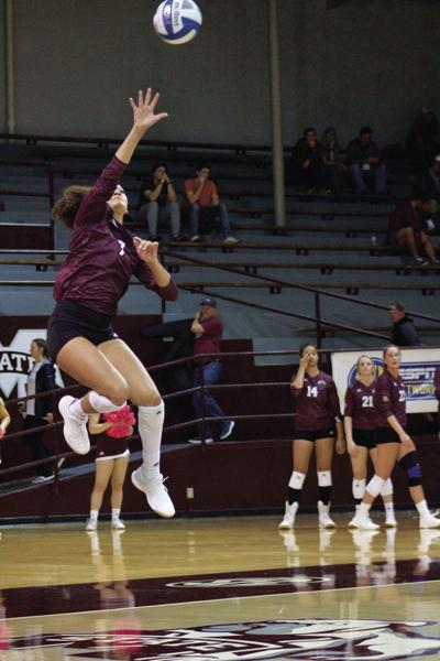 Volleyball Dawgs secure their first conference win