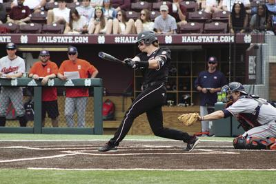 Diamond Dogs drop first game to Auburn after strong start