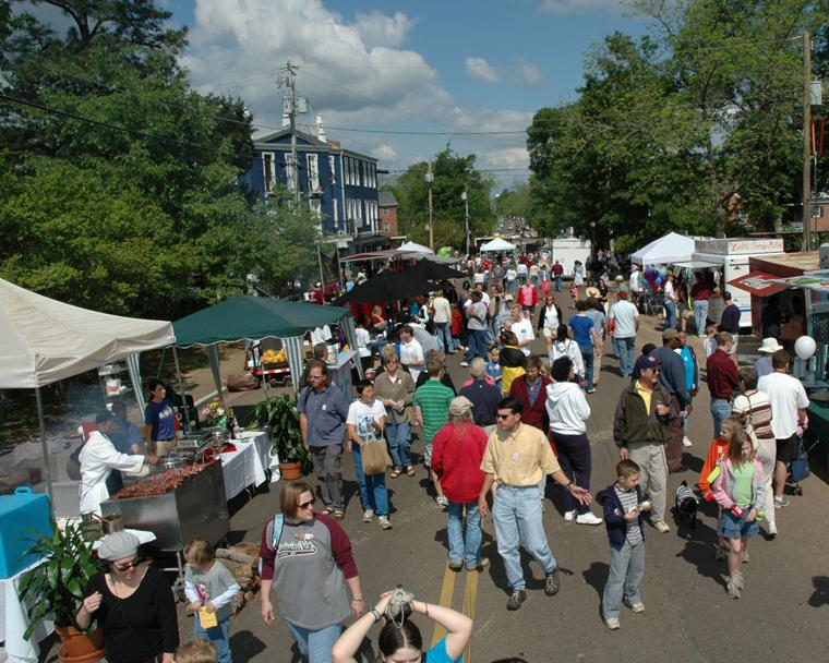 Cotton District Arts Festival Brings Creative Touch To