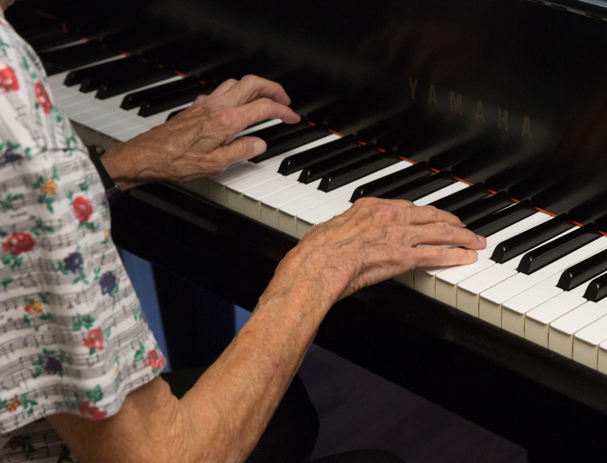 090219_gdr_pianoteacher-4.jpg