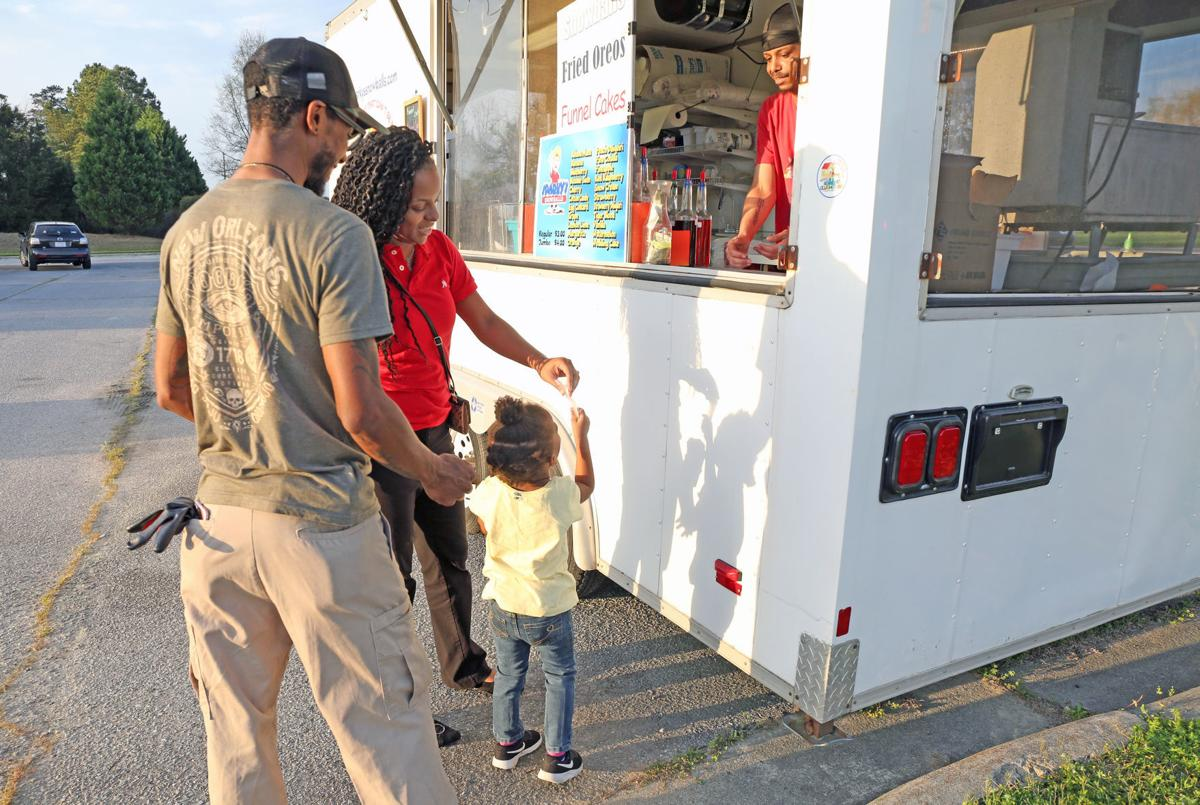 Food truck rodeo brings take-out options in Greenville 7