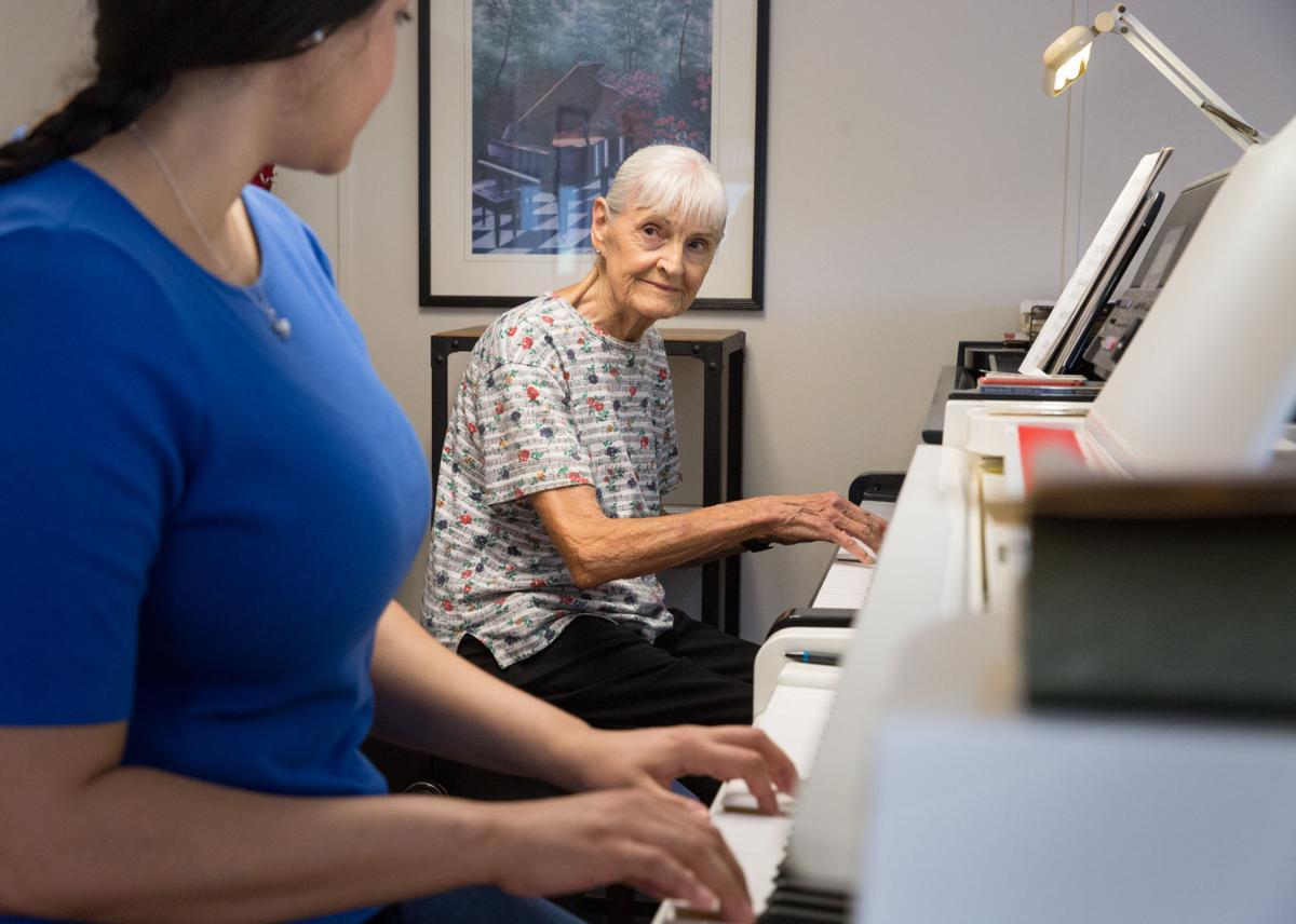 090219_gdr_pianoteacher-1.jpg