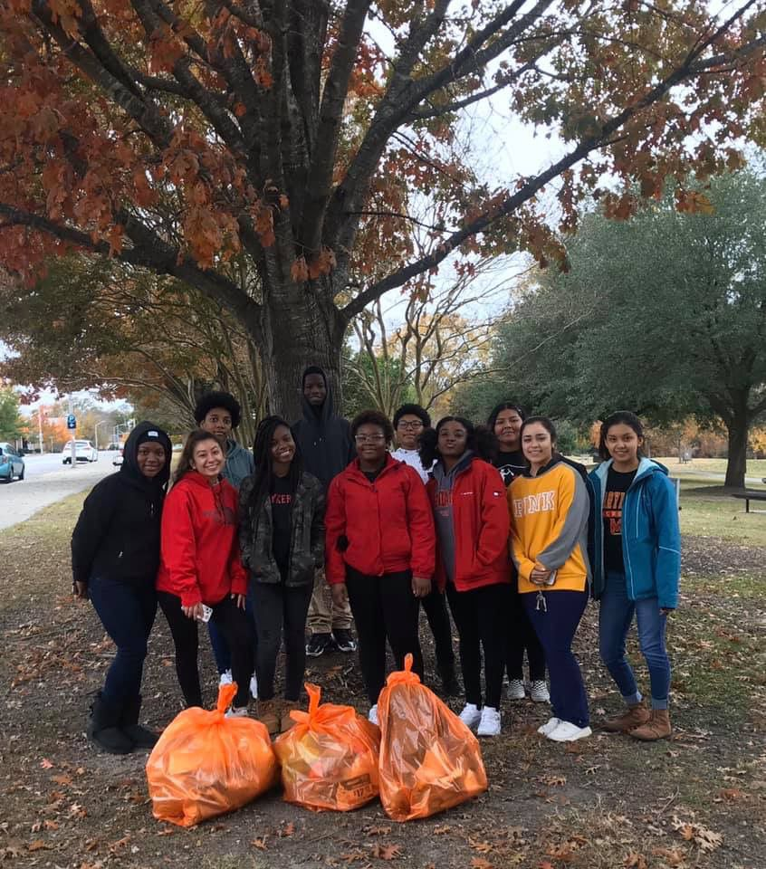 Early College High School students complete service project
