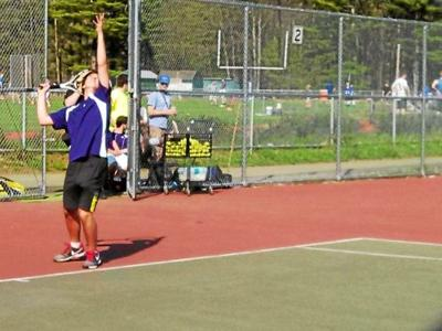 BF boys beat Colonels on courts