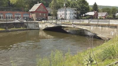 Rockingham decides: New bridge; old place