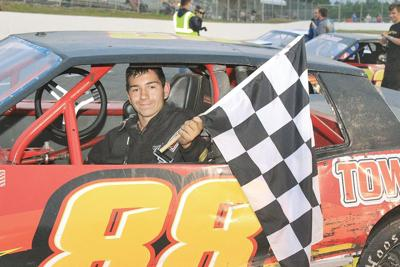 Renaud places 4th, Brow 5th at Monadnock Speedway